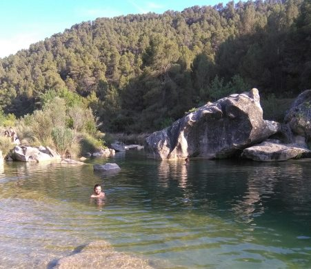 wild-swimming-yoga-retreat-barcelona